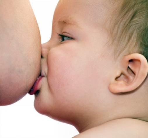 Целую грудь мамы рассказ фото 306-129
